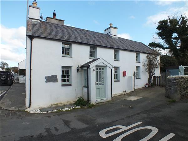 Bayr Dowin Cottage, Baltic Road